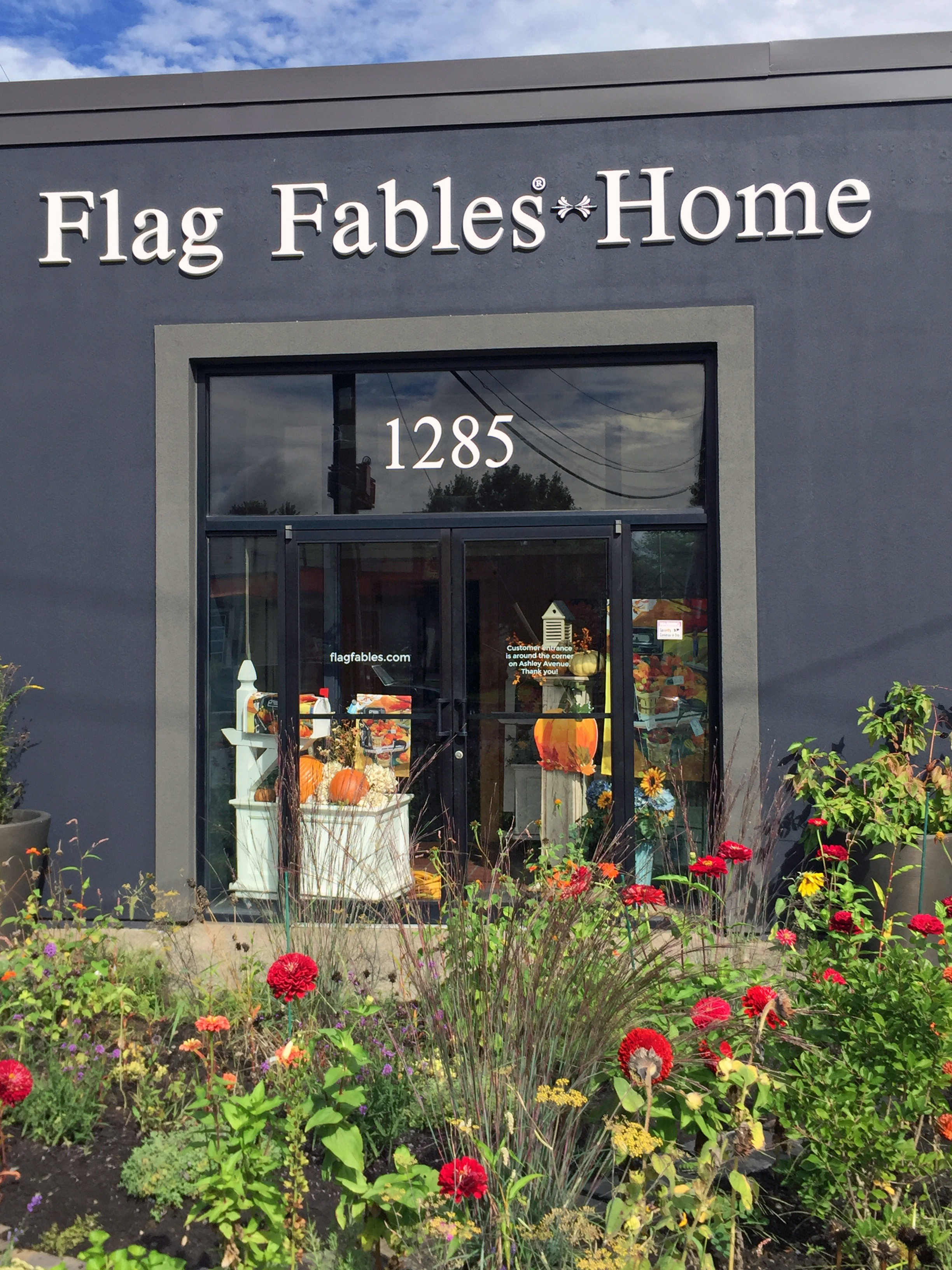 Flag Fables Home 1285 Riverdale Street